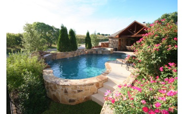 2017 Best of UAG - Residential Concrete - Freeform Pool - Holt